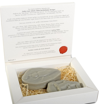 Lying Stones: soaps made of vegetable oil and pure grape extract
